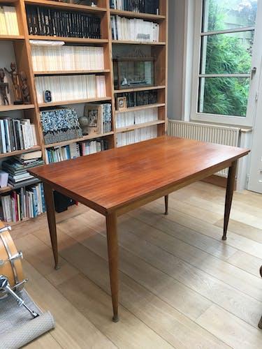 Table extensible en teck et pieds compas 4-8 personnes