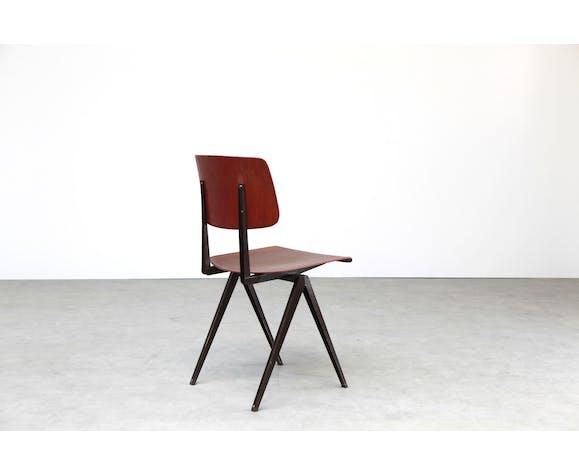 Chair Galvanitas