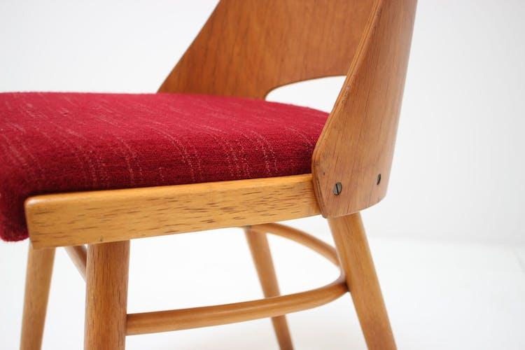 Ensemble de quatre chaises conçues par Oswald Haerdtl, années 1960.