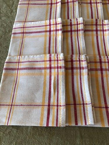 Serie de 12 serviettes en lin et coton anciennes