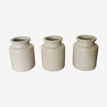 Set de 3 pots blancs tachetés en terre vernissée