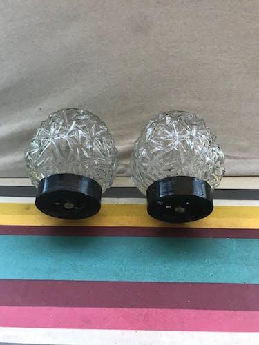Ancienne paire d'appliques et verre moulé avec support métal noir vintage