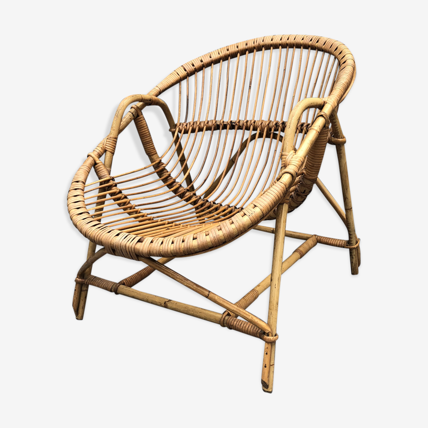 Shell vintage rattan chair