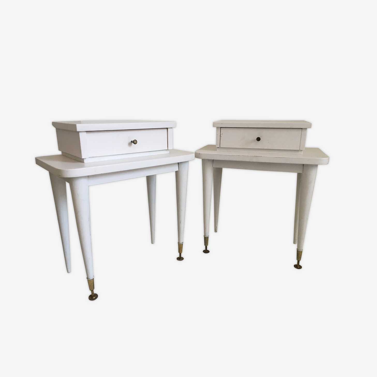 Paire of bedside tables