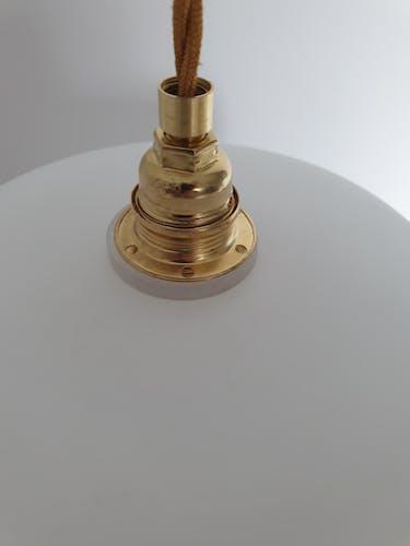 Suspension en opaline blanc mat