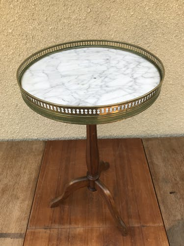 Old side table in the style of Louis XV in wood and marble tray