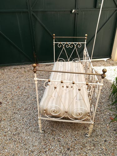 Wrought iron child seat