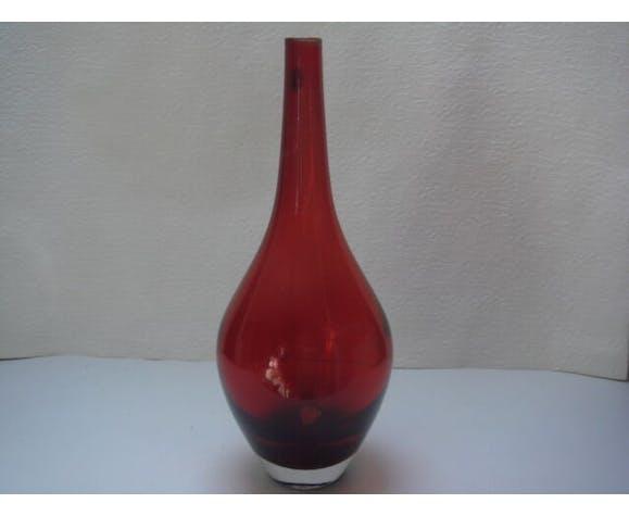 Vases red