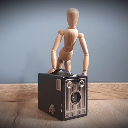 Camera Six 20 Brownie Junior