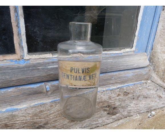 1900 Pulvis Gentianae glass pharmacy bottle