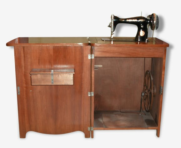 ancien meuble machine coudre singer 1931 bois mat riau marron vintage 118126. Black Bedroom Furniture Sets. Home Design Ideas