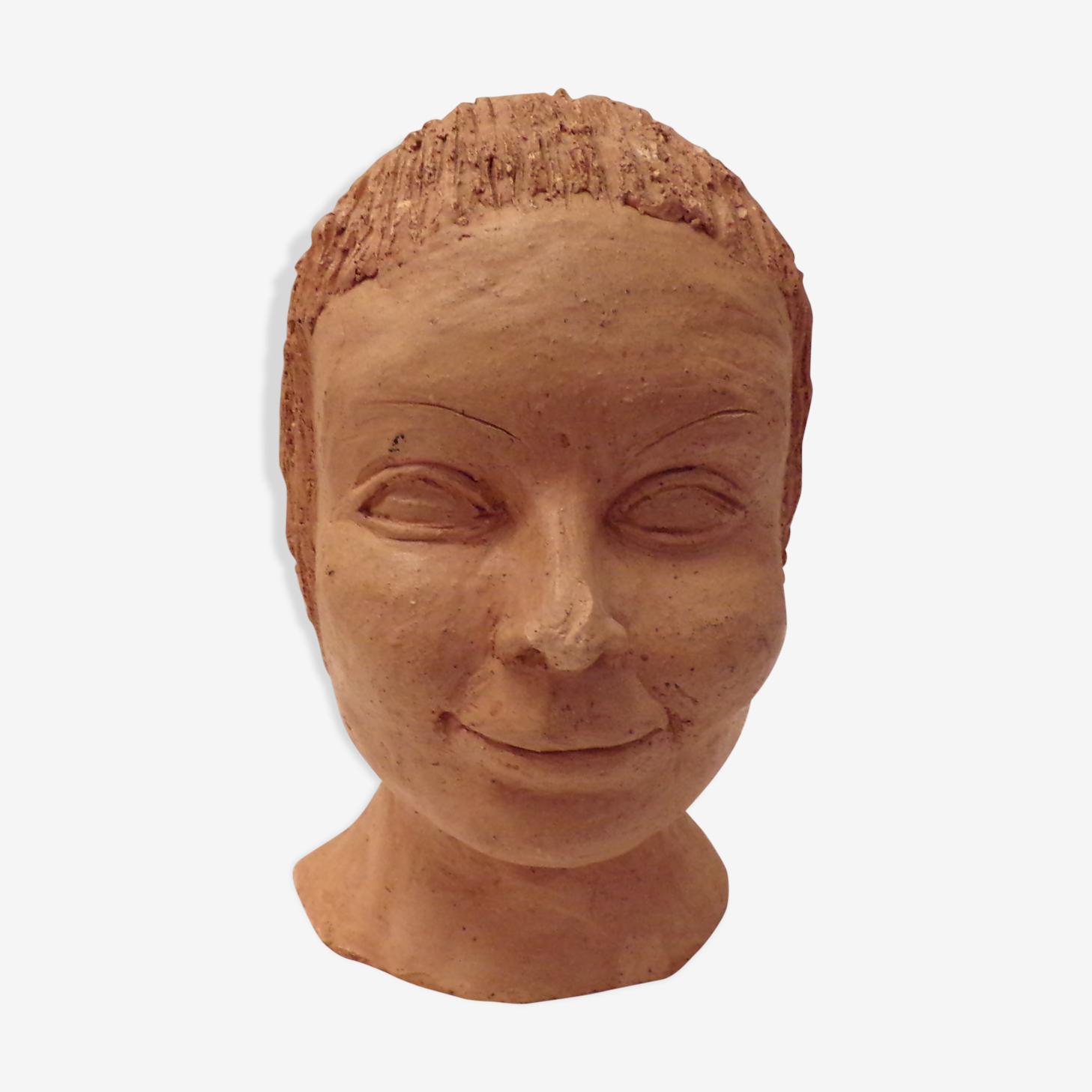 Buste de jeune fille modelé argile
