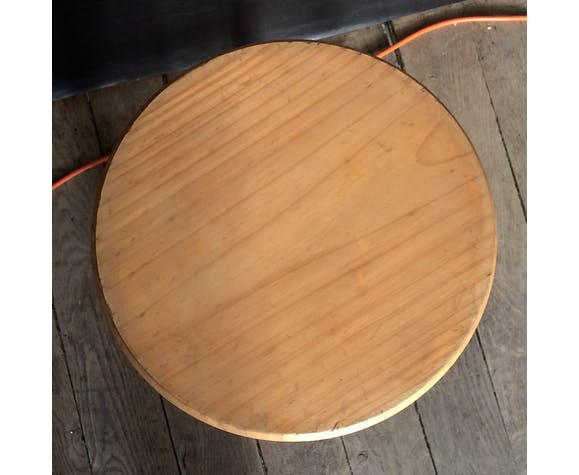Tabouret façon alpage en bois ciré