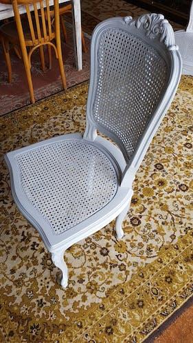 Paire de chaises cannées style Louis XV