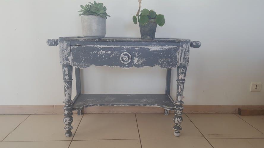 Former toilet revamped vintage furniture
