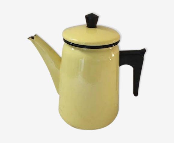 Cafetière en tole émaillée jaune des années 50