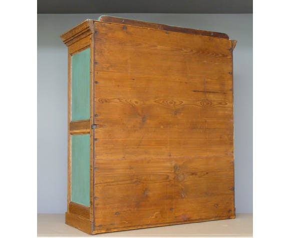 Vitrine anglaise en bois peint ciré