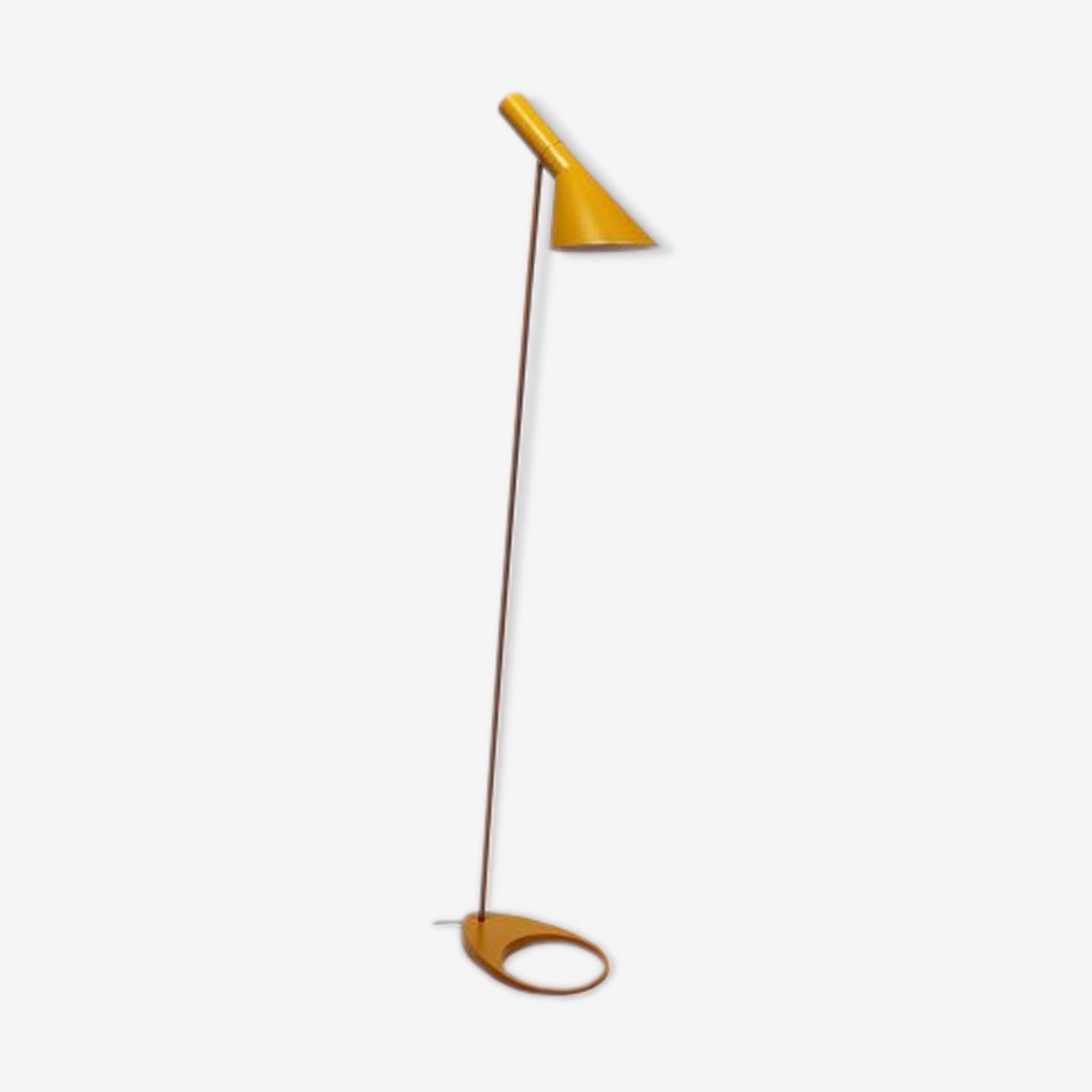 Lampadaire jaune par Arne Jacobsen 1960
