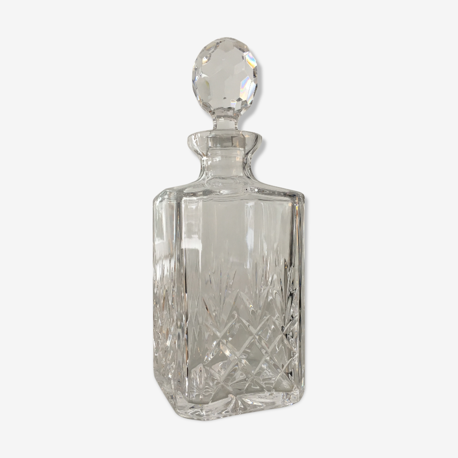 Carafe crystal with its cap