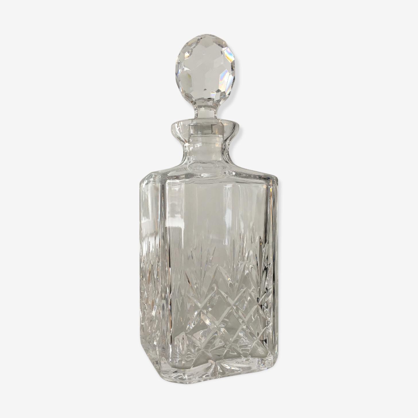Carafe en cristal avec son bouchon