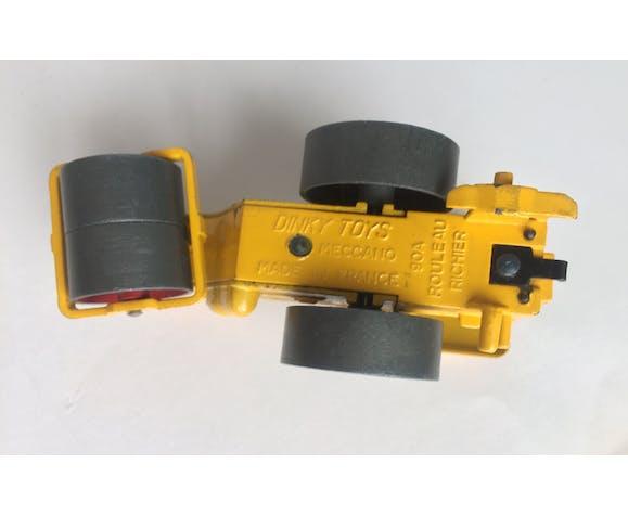 Miniature metal construction equipment