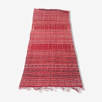 127 x 217 cm handmade Kilim rug in red and Black wool