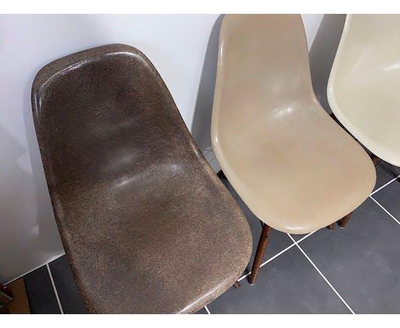 Lot de 4 chaises DSW de Charles & Ray Eames édition Herman Miller