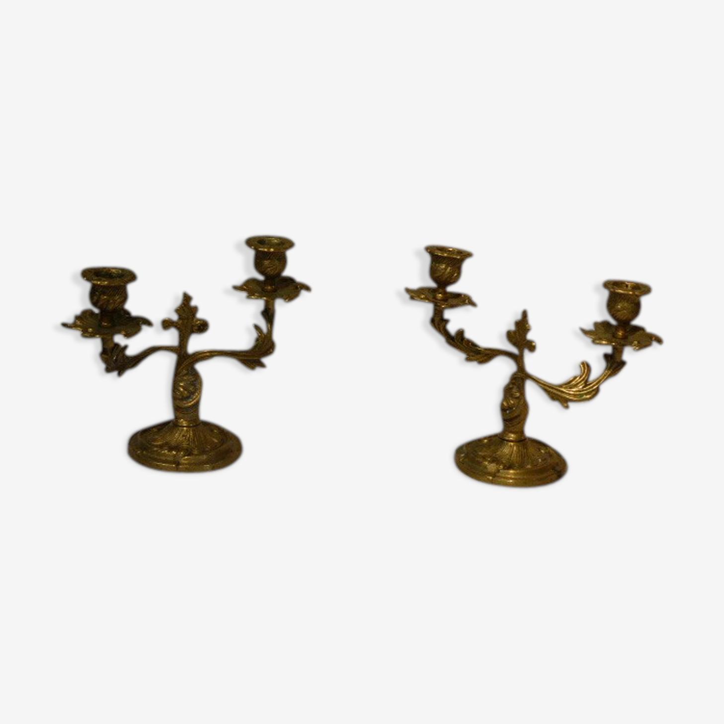 Paire de chandeliers en laiton  motifs feuillage et fleurs  vintage