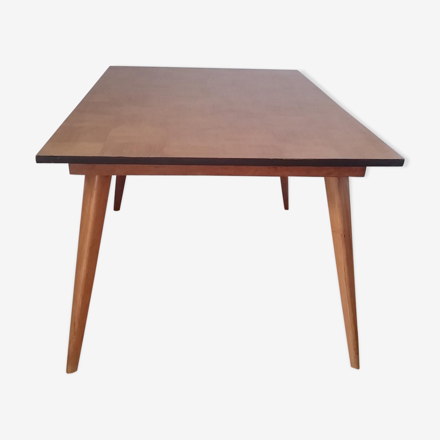 Rectangular wooden scandinavian table