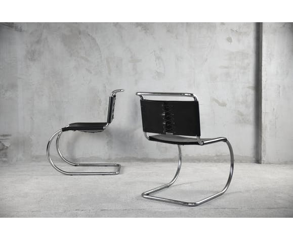 MR10 cantilever chairs by Ludwig Mies van der Rohe for Knoll