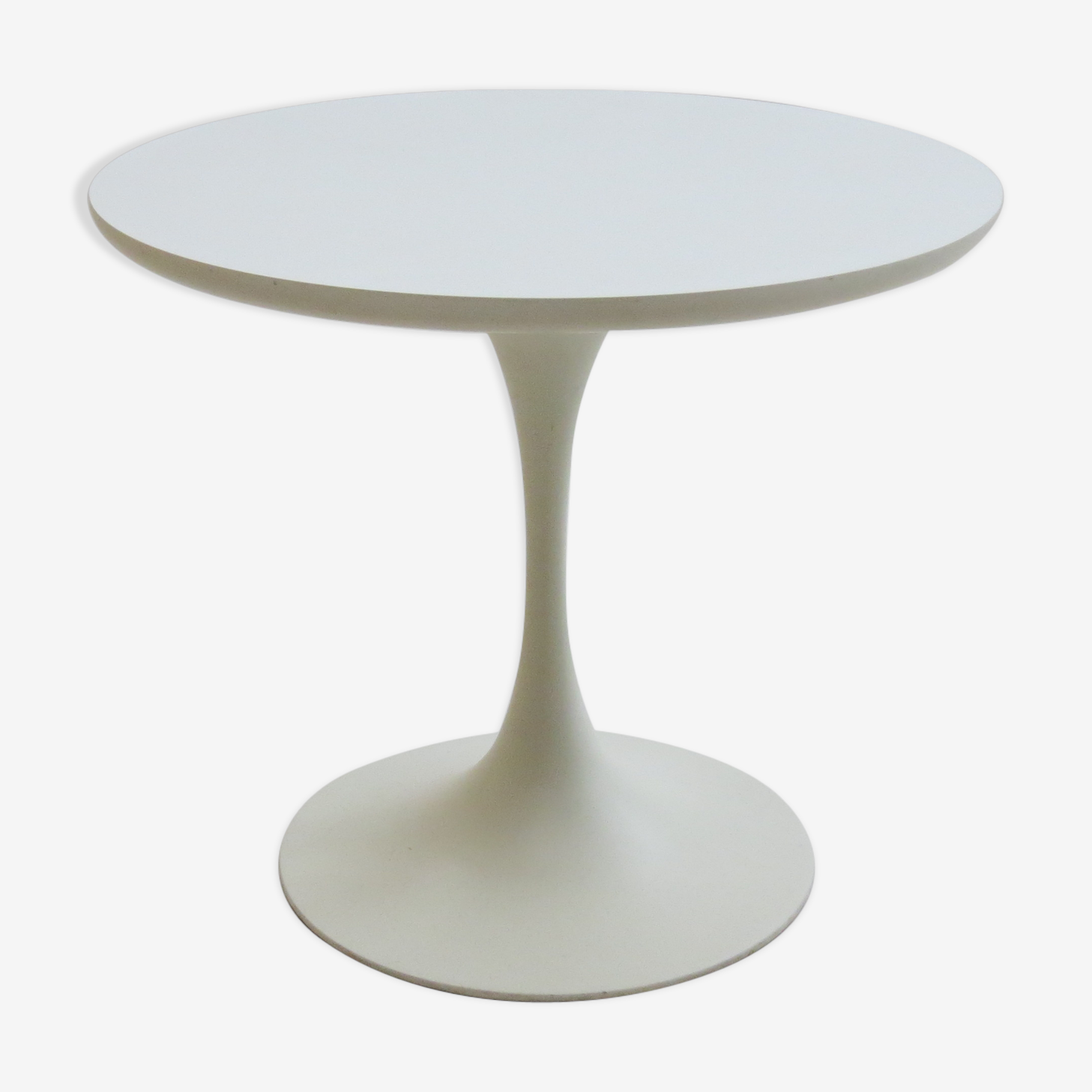 1960s tulip side table designed by Maurice Burke for Arkana