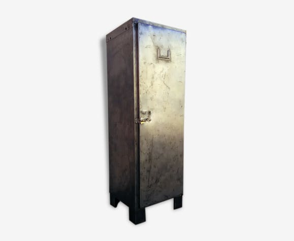 armoire vestiaire metal type militaire fer. Black Bedroom Furniture Sets. Home Design Ideas