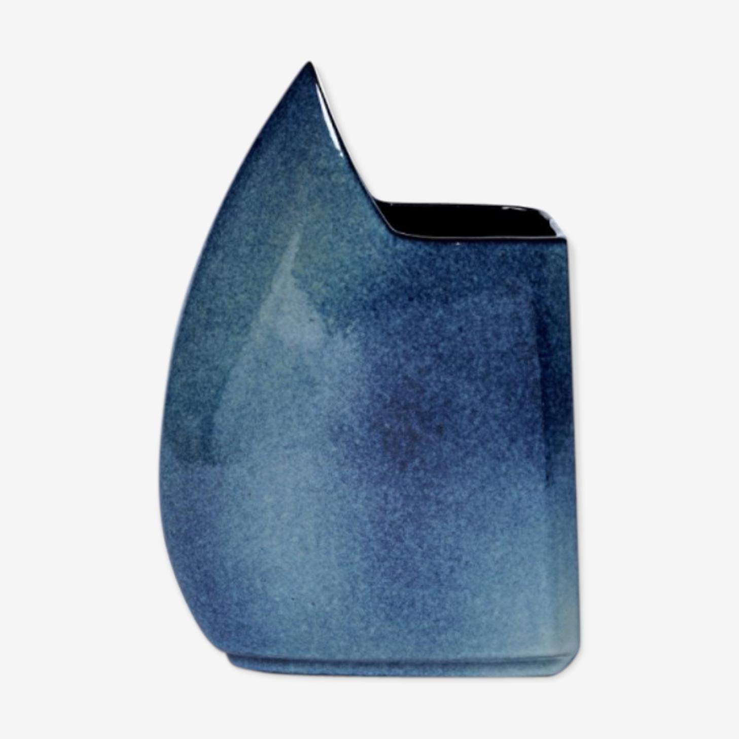 Vase moucheté bleu