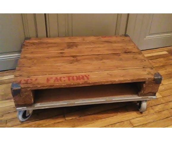 Pallet Coffee Table With Castors Selency