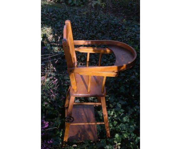 Chaise haute de poupée vintage