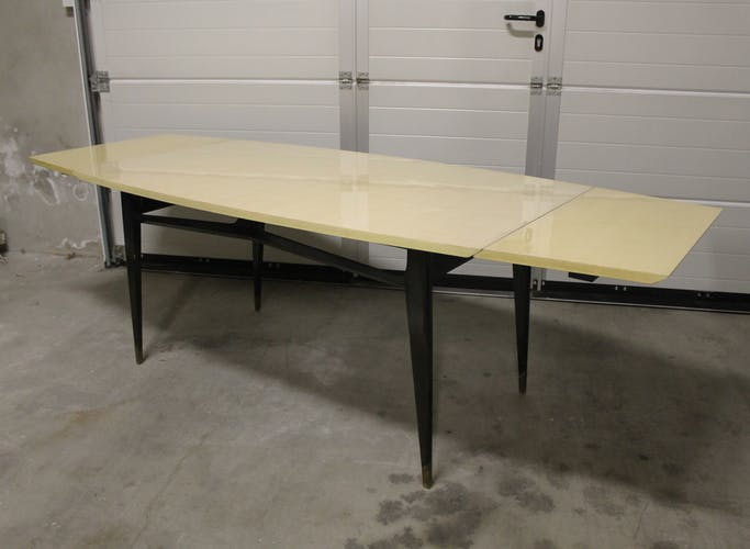 Sycamore wooden table