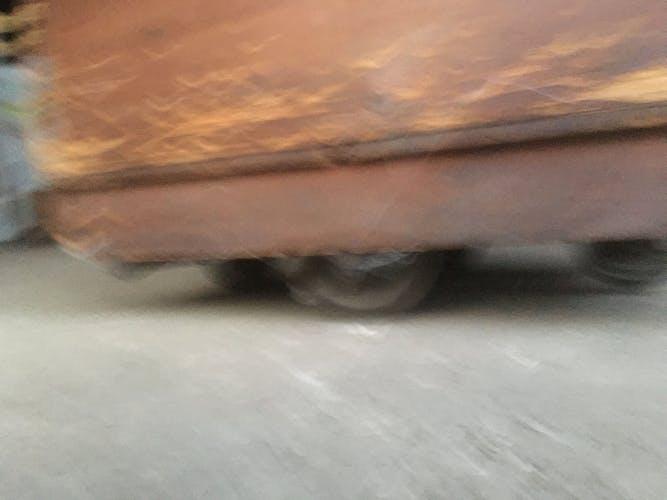 Chariot d'atelier industriel en bois caisse roulant