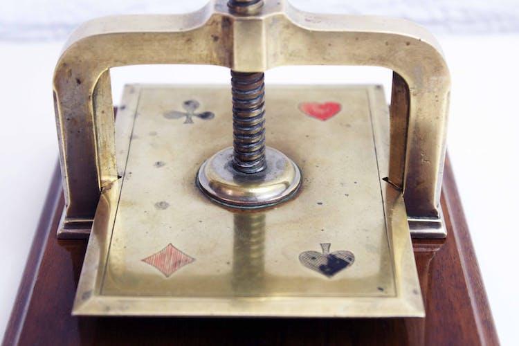 Presse cartes ancien