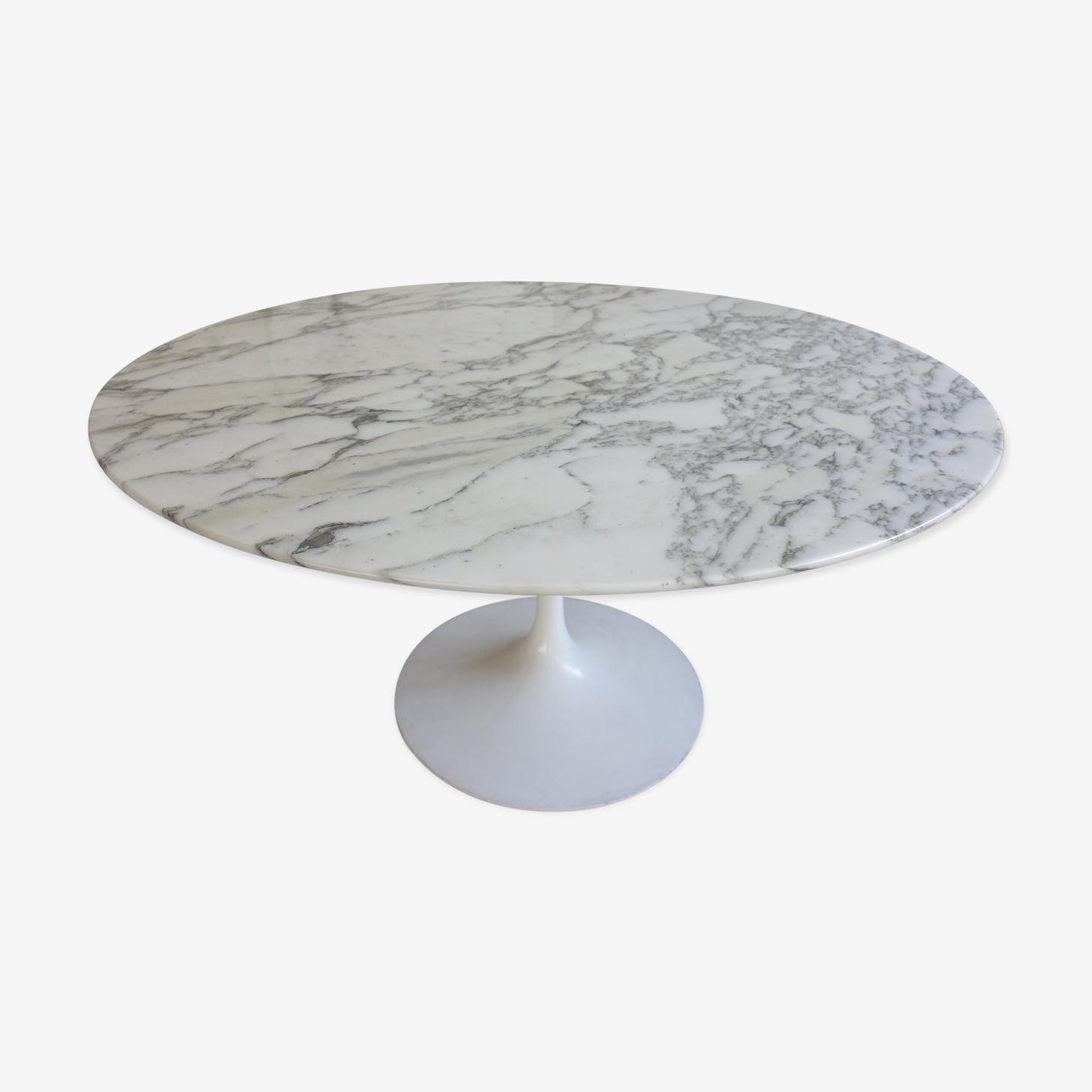 Table by Eero Saarinen Knoll International edition Tulip