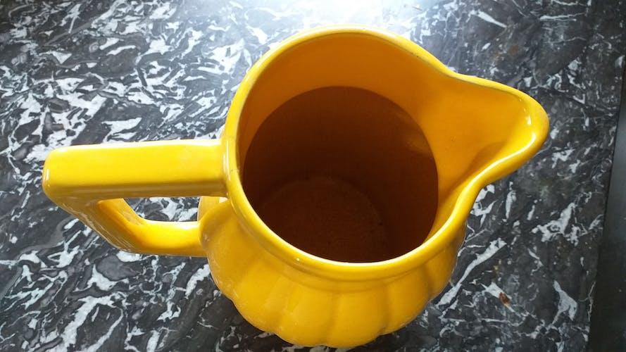 Pichet jaune Orchies