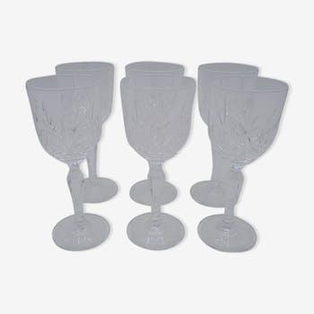 Suite de 6 petits verres en cristal
