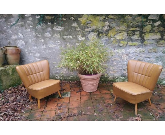 Pair of tawny cocktail armchairs