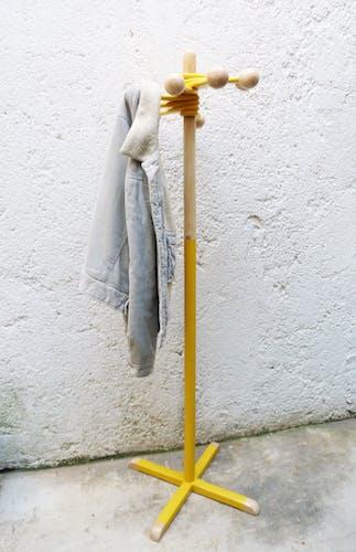 Porte manteau sur pied