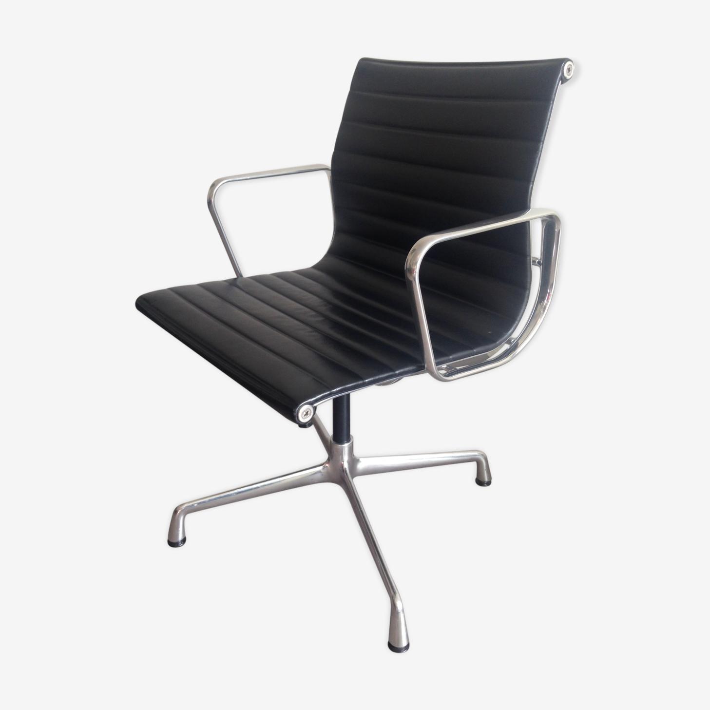 Swivel armchair Vitra EA108