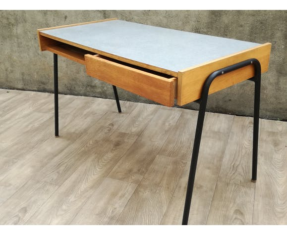 Desk from the 1960s from the university campus of Orsay