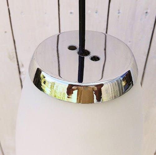Suspension en opaline et chrome design XXème