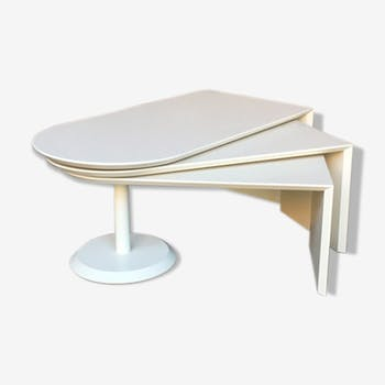 Vintage white coffee table with 3 360-degree pivoting trays, since 1960