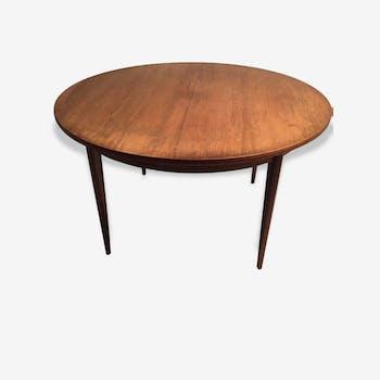 Scandinavian round table in rosewood veneer