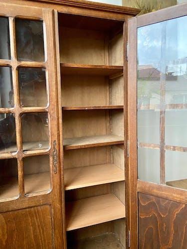 Vitrine en bois massif 5 étagères