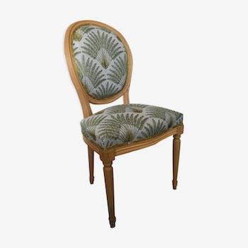 Chaise de style Louis XVI médaillon